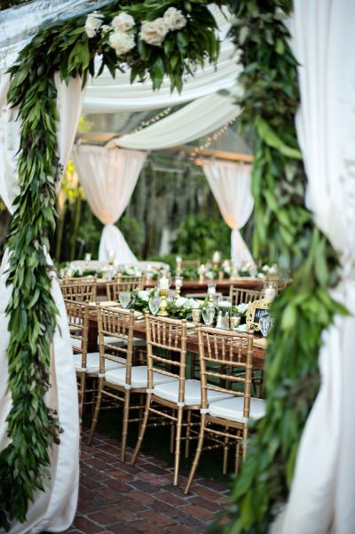 Green garland wedding decoration | fabmood.com