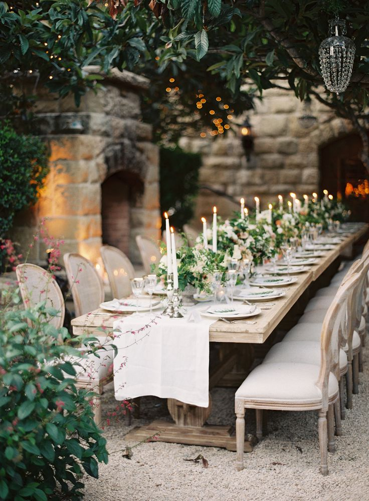 Rustic chic wedding theme for Small table setting ideas