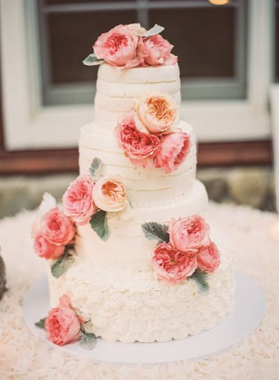 Rustic chic wedding cake : fabmood.com