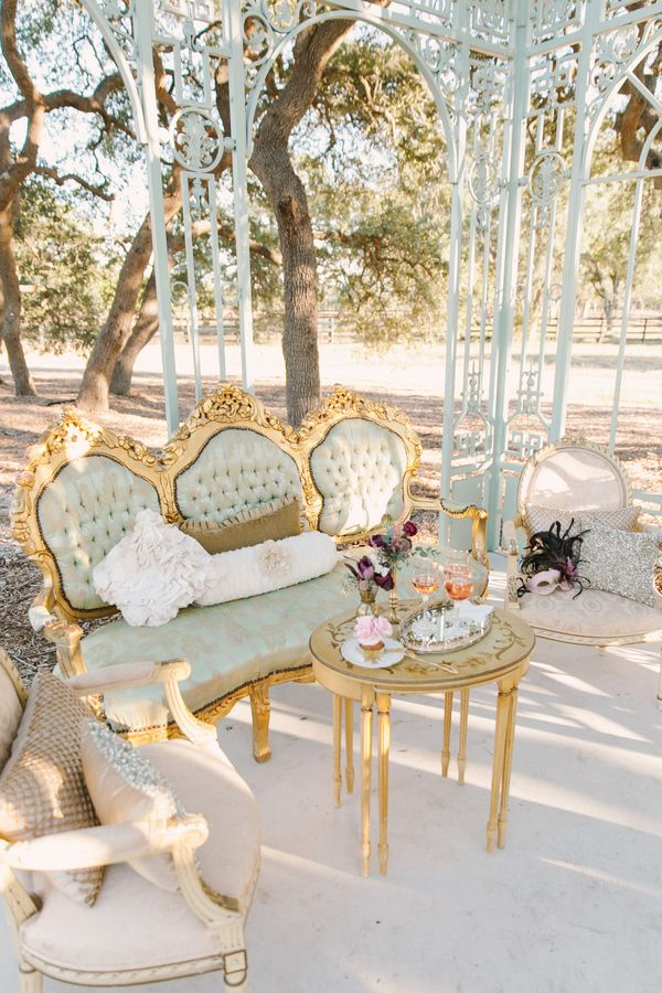 vintage wedding furniture wedding decor | fabmood.com