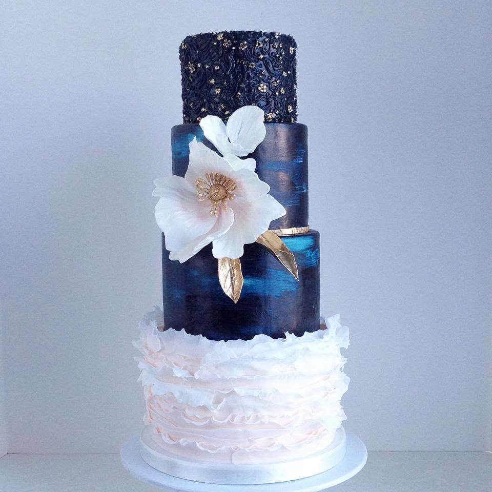 navy blue and gold wedding cake ideas 10 summer wedding cakes simple summer wedding cake ideas 17749