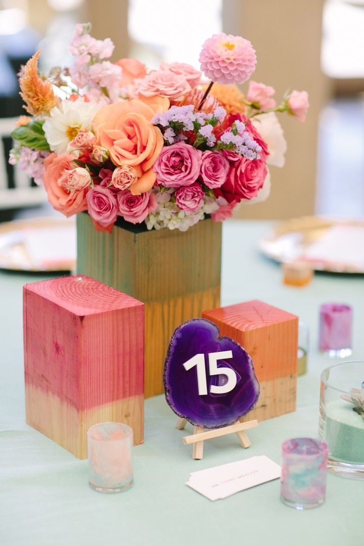 artful + colourful centerpieces | fabmood.com