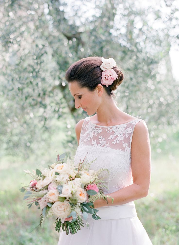 Sheer neckline wedding dress | fabmood.com