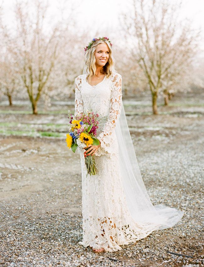 Wide Bell Sleeve With Tulle Long Train Bohemian Wedding Dresses