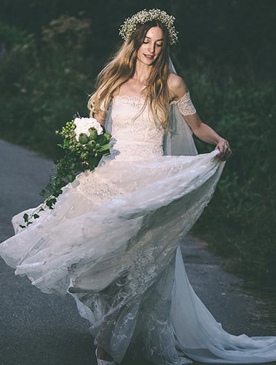 10 Beautiful Bohemian Wedding Dresses