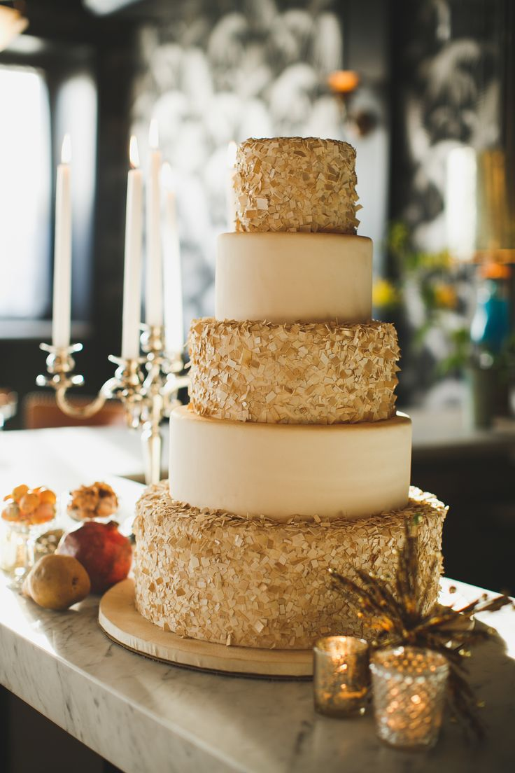 ivory and gold wedding cake | fabmood.com