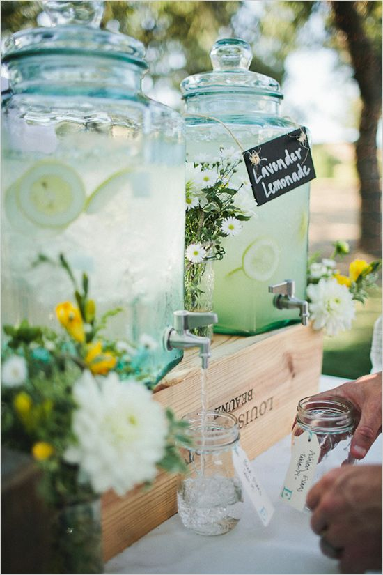 Unique wedding reception ideas on a budget – homemade lemonade