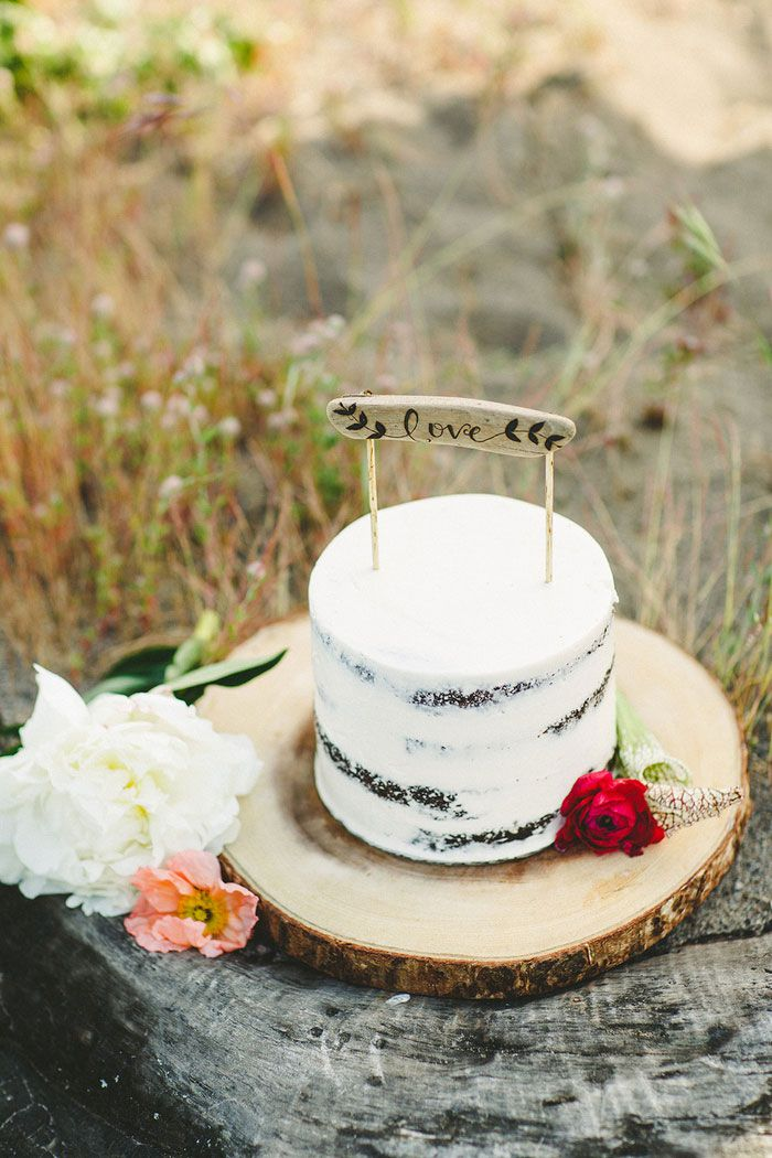 wedding cake - Bohemian Beach Wedding | fabmood.com