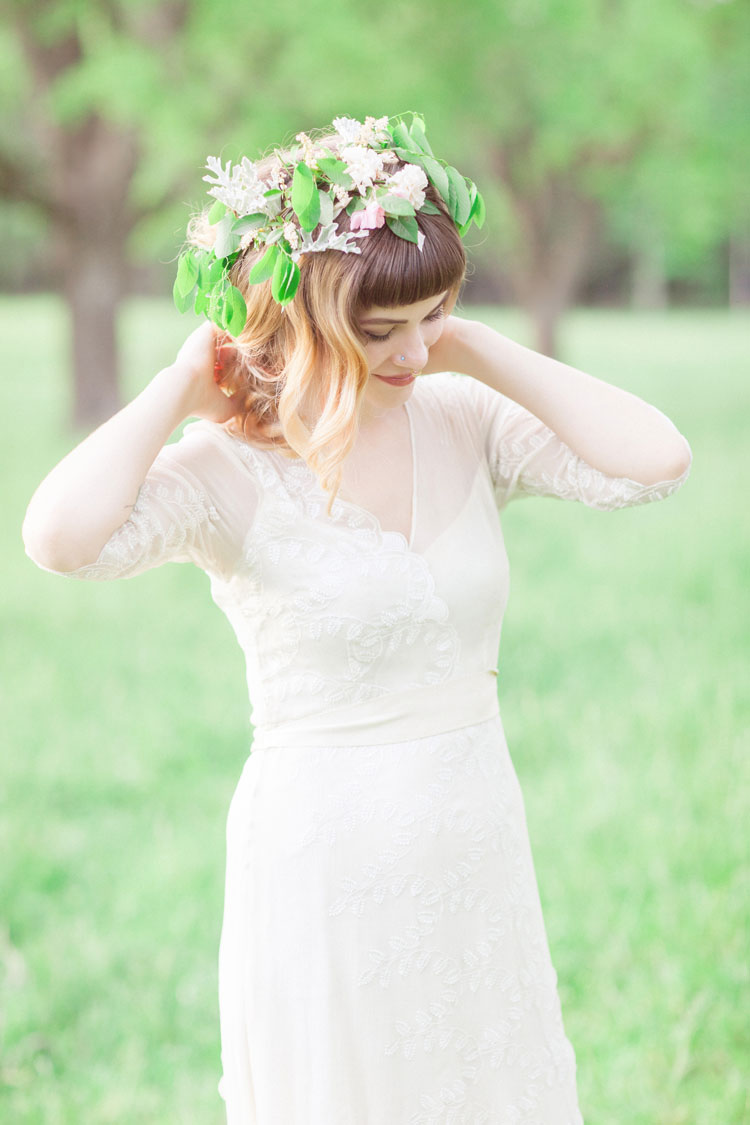 Floral crown - Beautiful Bohemian Elopement Inspiration | Photography : leanicole.com | https://www.fabmood.com/saja-wedding-dress-bohemian-elopement-inspiration:
