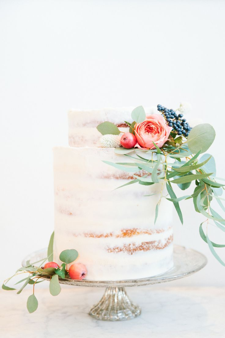 Semi Naked wedding cake | fabmood.com | Photography: Bella Cosa by DArcy Benincosa - benincosaweddings.com Cake: Le Loup - www.leloup.com