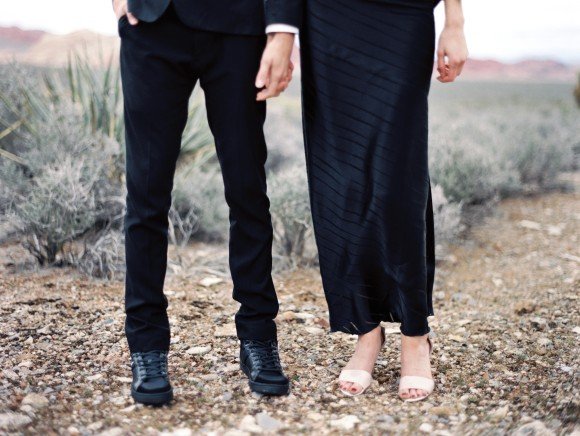 Black Wedding Inspiration shoot : Photography - kimingphotography.com | https://www.fabmood.com/black-wedding-inspiration #blackwedding