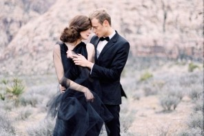 Black Wedding Inspiration : Photography - kimingphotography.com | https://www.fabmood.com/black-wedding-inspiration #blackwedding