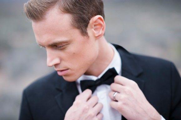 Black Wedding Inspiration shoot: Photography - kimingphotography.com | https://www.fabmood.com/black-wedding-inspiration #blackwedding