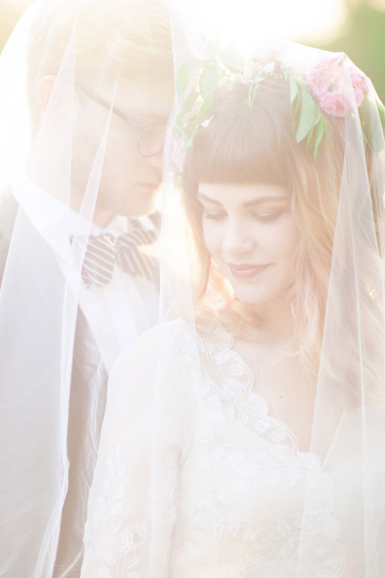 Dreamy and Ethereal Beautiful Bohemian Elopement Inspiration | Photography : Lea Nicole | https://www.fabmood.com/saja-wedding-dress-bohemian-elopement-inspiration: