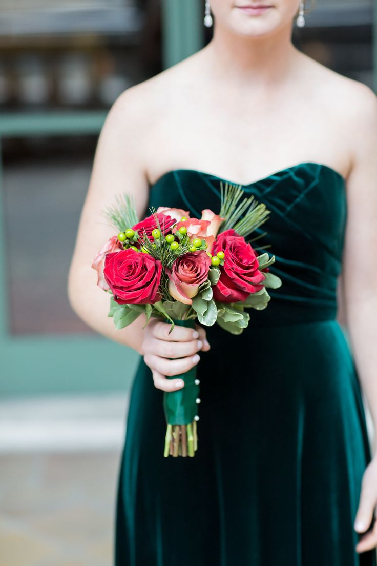 Photography: kelseycombe.com/ | Fall Wedding Bouquet { Roses Wedding Bouquets } fabmood.com #fallbouquet