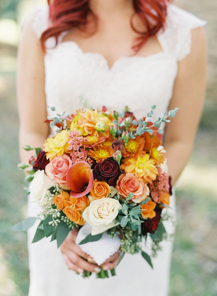 Photography : vickigraftonphotography.com | Fall Wedding Bouquet { Roses Wedding Bouquets } fabmood.com #fallbouquet
