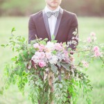 Groom and woodsy bouquet - Beautiful Bohemian Elopement Inspiration | fabmood.com