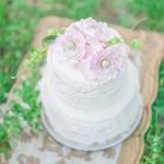 Pretty wedding cake Beautiful Bohemian Elopement Inspiration | fabmood.com
