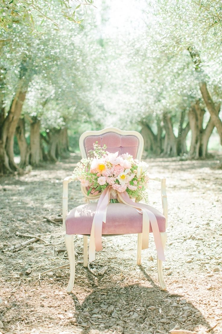 romantic and dreamy pretty in pink inspiration shoot