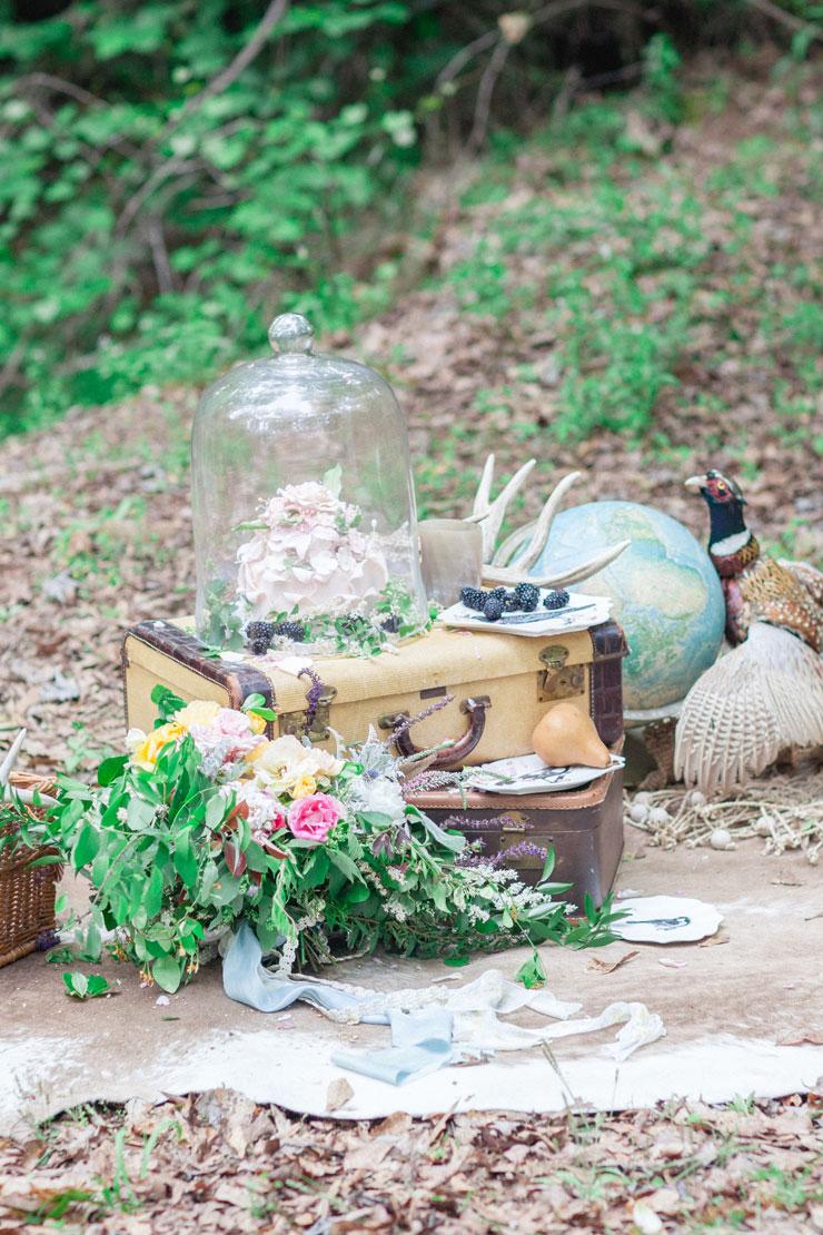 wedding reception decor - Beautiful Bohemian Elopement Inspiration | Photography : leanicole.com | https://www.fabmood.com/saja-wedding-dress-bohemian-elopement-inspiration: