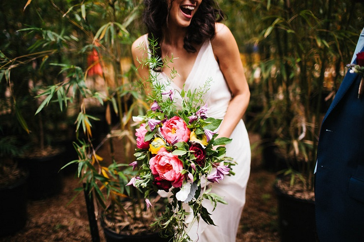 Photography : rebeccacaridad-manzanita.com | A Saja Wedding Dress and beautiful spring wedding bouquet | Read more about this #wedding on fabmood.com #bouquet #wedding