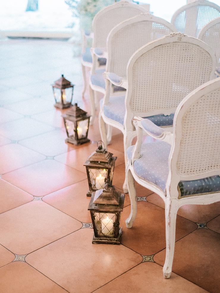 Lantern Winter wedding ceremony decoration | Light Blue Winter Wedding Read more Real Winter Weddings | fabmood.com #winterwedding