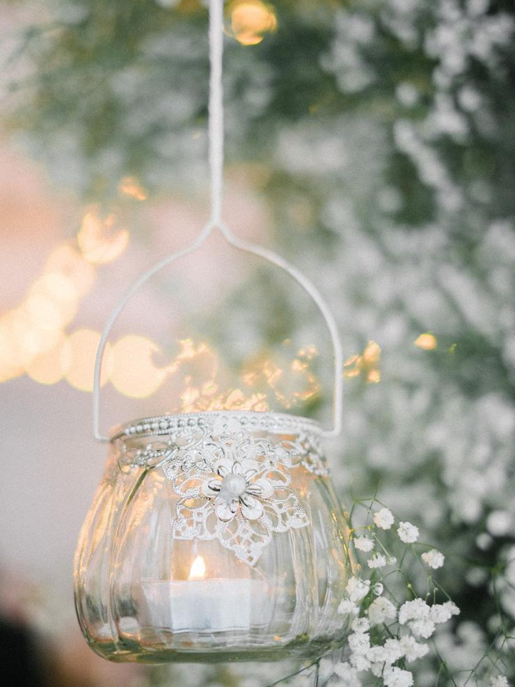 Baubles Winter wedding decoration | Light Blue Winter Wedding Read more Real Winter Weddings | fabmood.com #winterwedding