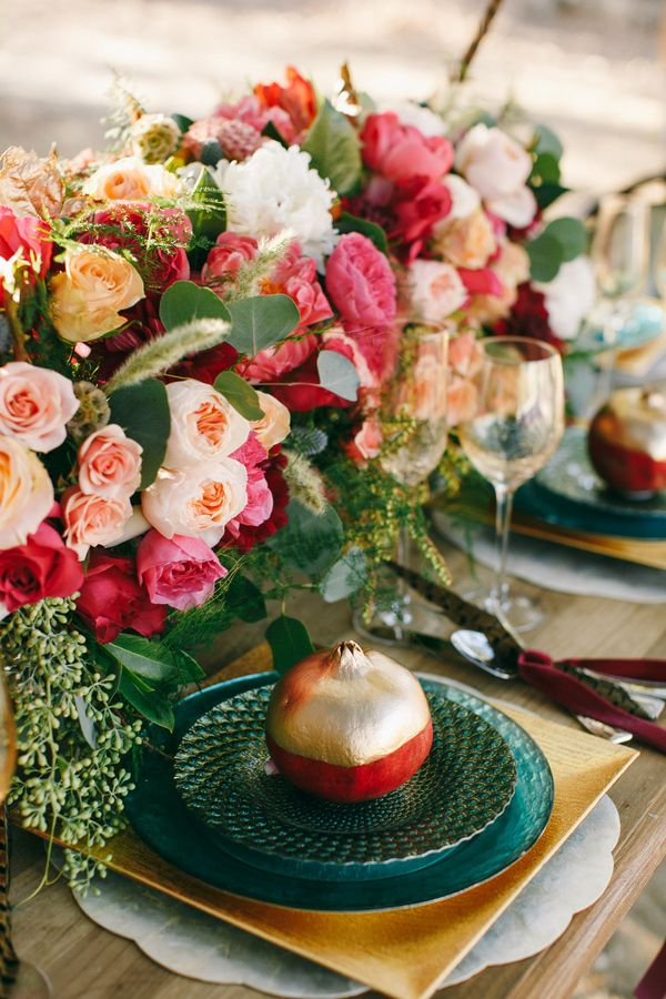 Emerald wedding tablescape - Luxurious Jewel Toned Wedding For Fall and Winter Wedding fabmood.com #weddingtablescape