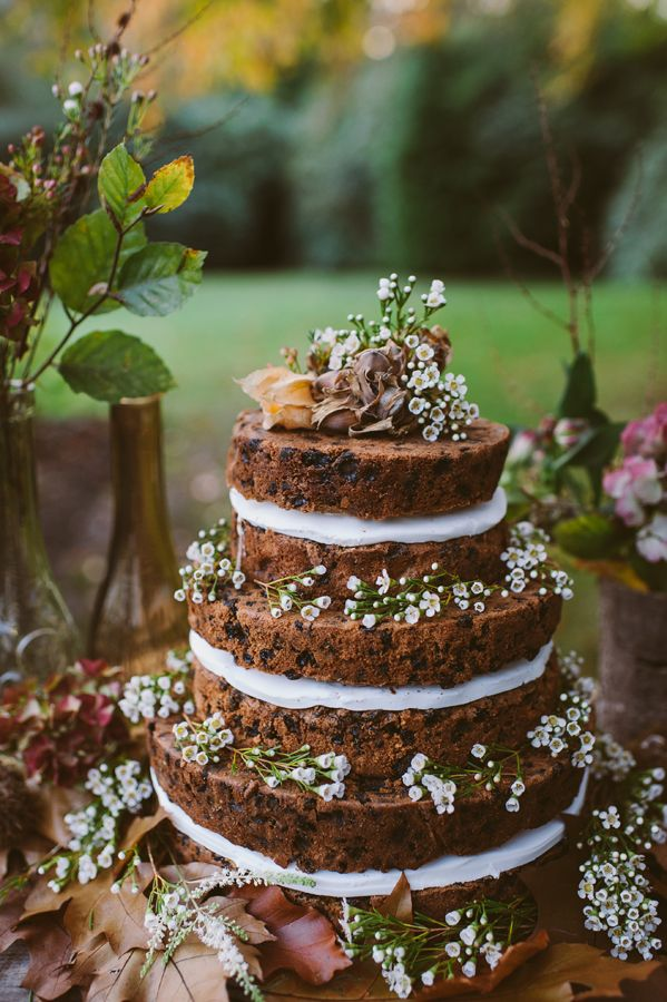 Bohemian naked wedding cake - bohemian style wedding ideas | fabmood.com #bohemian