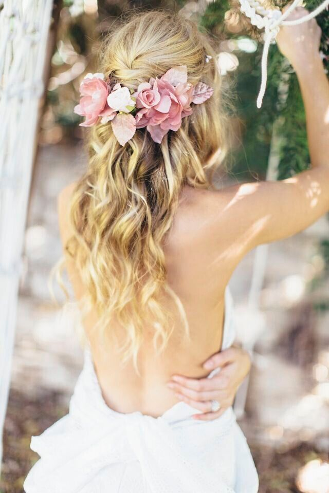 Bohemian bridal hairstyles - bohemian style wedding ideas | fabmood.com