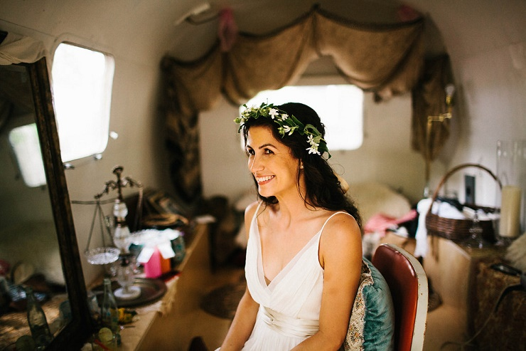bridal hair flowers - Photography rebeccacaridad-manzanita.com A Saja Wedding Dress Read more about this #wedding on fabmood.com #bridalhairstyles #hairflowers