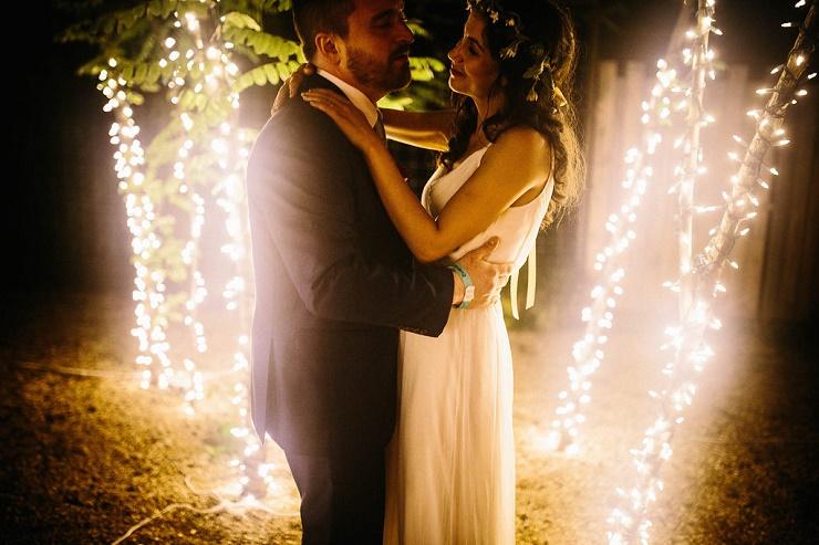 An intimate wedding - Photography rebeccacaridad-manzanita.com A Saja Wedding Dress Read more about this #wedding on fabmood.com #weddinggown #weddingdress