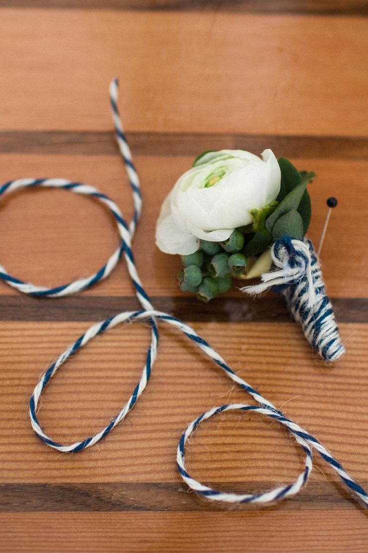 Bountonnieres Nautical Wedding theme | photography : justinabilodeauphotography.com | #weddinginspiration on fabmood.com