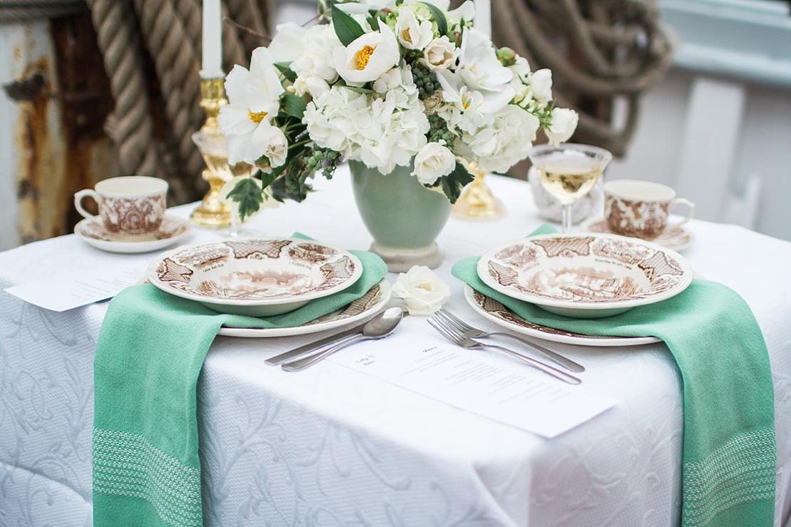 Wedding Table setting - Nautical Wedding Inspiration shoot | justinabilodeauphotography.com | #weddinginspiration on fabmood.com