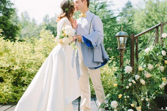 Pear inspired wedding with Delicate shades of Blue & Yellow   Photography : anastasiyabelik.com   Full #wedding inspiration on fabmood.com