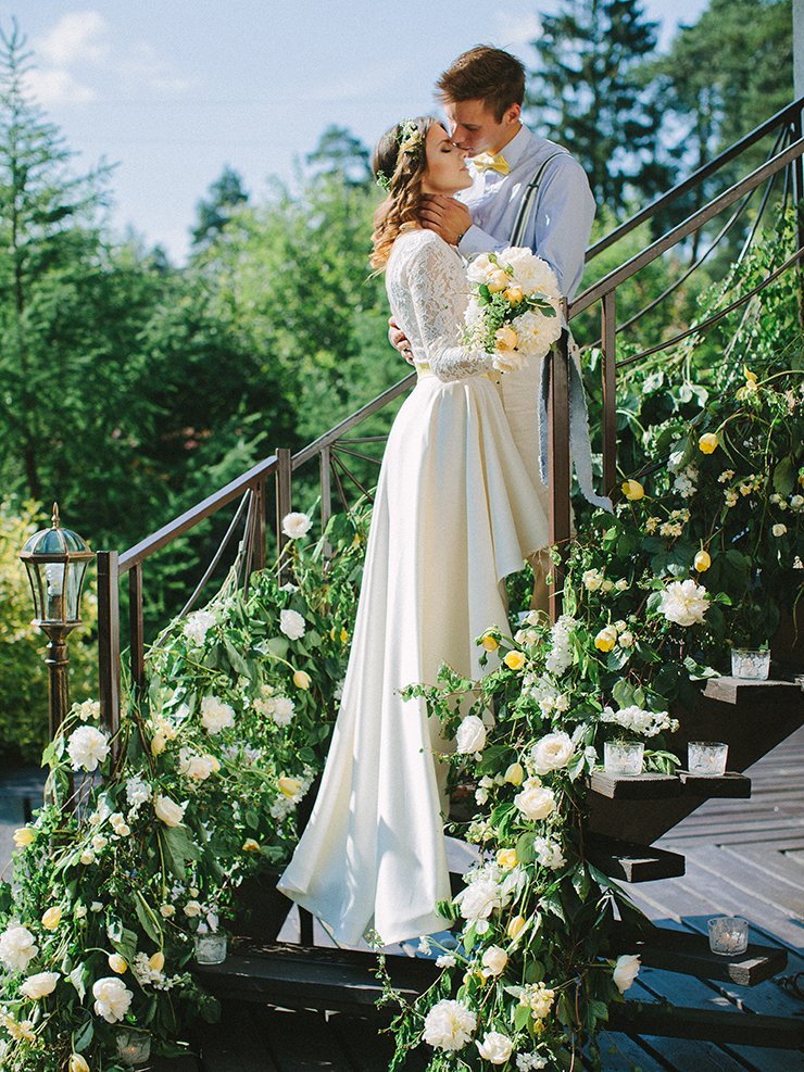 Pear inspired wedding with Delicate shades of Blue & Yellow | Photography : anastasiyabelik.com | Full #wedding inspiration on fabmood.com