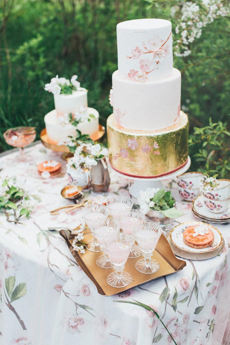 Wedding dessert table | Romantic Ethereal wedding inspiration { Fresh and Subtle Shades } Photography : pshefter.com | read more on fabmood.com #weddinginspiration :