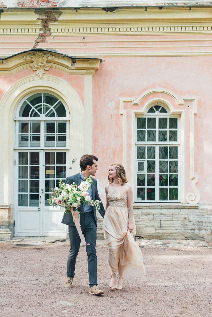 Romantic Ethereal wedding inspiration { Fresh and Subtle Shades } read more on fabmood.com #weddinginspiration :