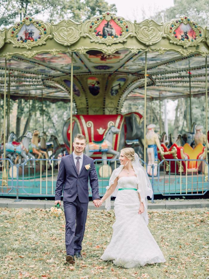Fall Wedding - Vintage carousel wedding | fabmood.com