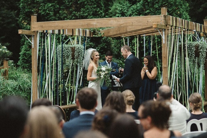 Bliss on a Island in Québec { Midnight blue, black, gold, neon accents Summer Wedding } fabmood.com
