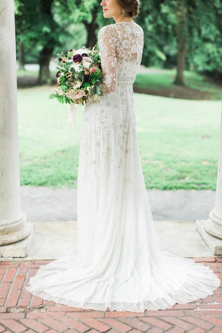 Beautiful winter wedding dress | Winter wedding dresses | fabmood.com #weddingdress #weddinggown #winterweddingdress