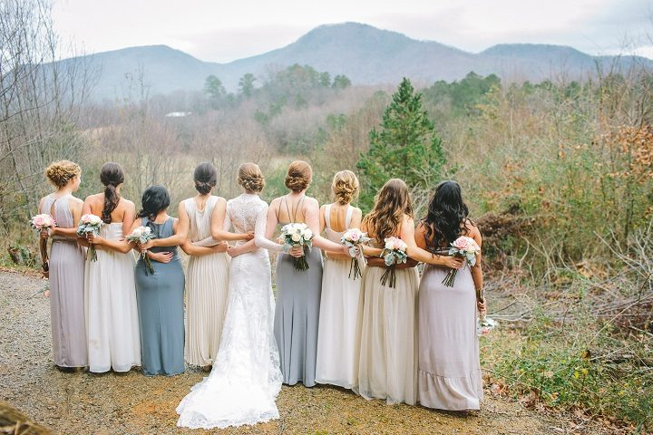 Misty blue winter wedding in mountain - January wedding | fabmood.com #winterwedding #mistyblue #mistygrayweding #weddingcolour