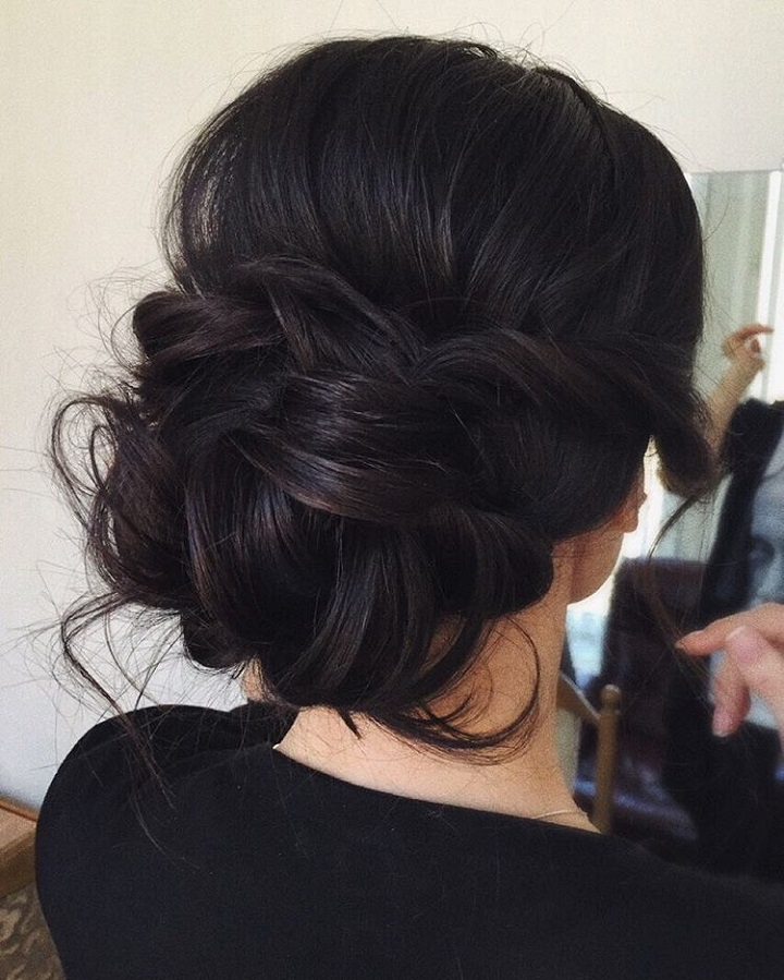 Wedding updo for straight hair | Wedding hairstyle | fabmood.com #weddinghair #bridalupdo #bridalhair #wedding #weddingupdos