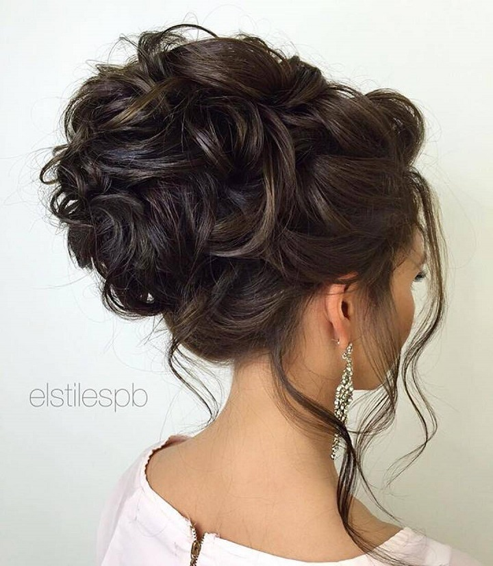 Bridal Updo Hairstyle | fabmood.com #wedding #updo #hairstyles weddinghairstyle #weddinghair