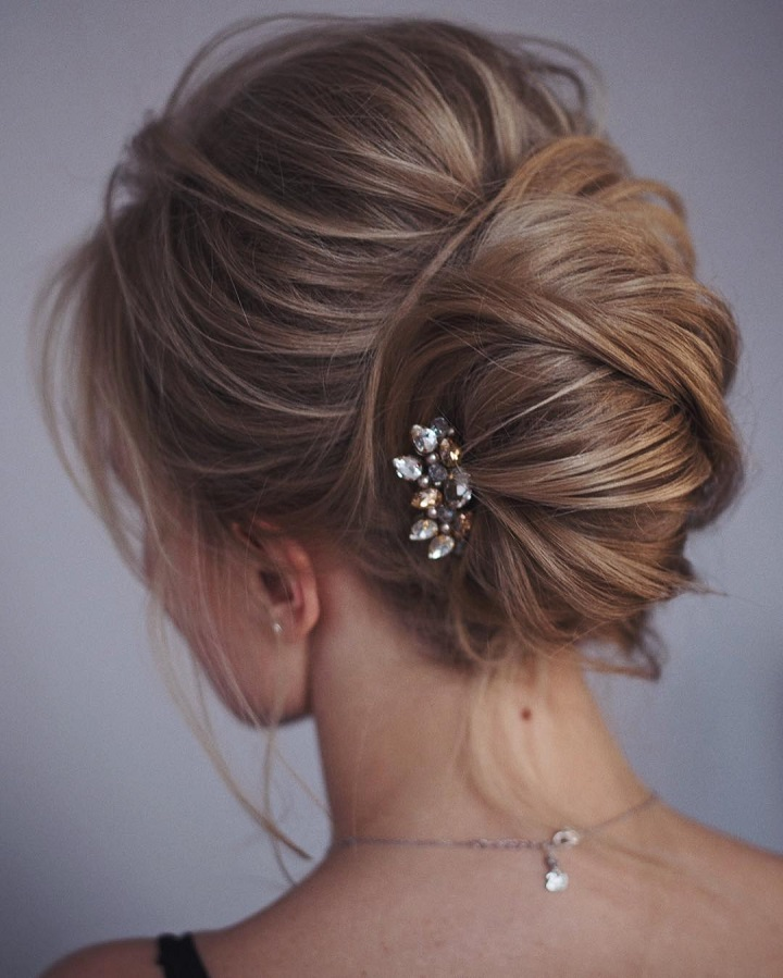 Wedding Hairstyles For Medium Thin Hair: This French Twist Updo Hairstyle Perfect For Any Wedding Venue