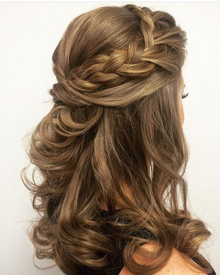 Half Up Half Down Wedding Hairstyle Inspiration: The Prettiest Half-Up, Half-Down Hairstyles You'll Fall In