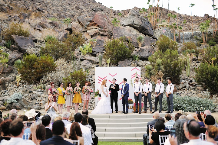 California wedding themed | Outdoor wedding ceremony | fabmood.com #wedding #palmspringswedding #weddingceremony #outdoorwedding
