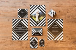 Black Gold and White Wedding Invitations | fabmood.com #wedding #modernwedding #blackgold #blackgoldwedding #placesetting #tablesetting #modern