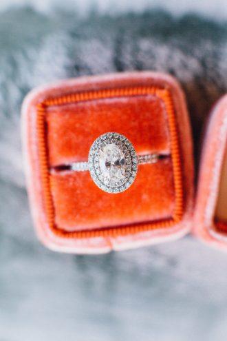 Utterly Gorgeous Halo Engagement Rings { feminine, elegant & unique engagement ring with Halo setting } fabmood.com #weddingring #haloengagementring #halorings