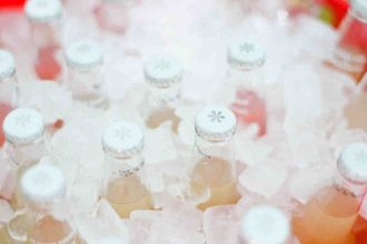 Serve up ice-cold Izze sodas, a perfect summer refreshment #summerwedding #summer #weddingideas #summerweddingideas
